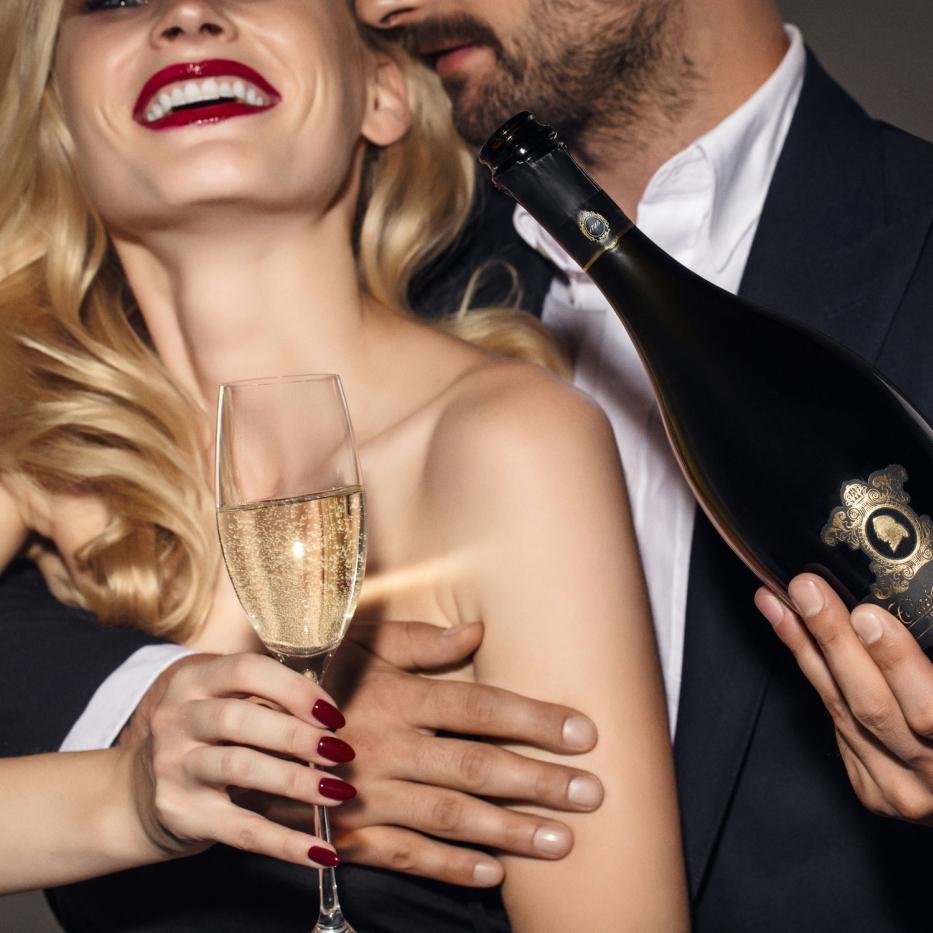 シャンパーニュ方式で造るスパークリングワインVSシャルマ方式で造るスパークリングワインを飲み比べて味わいを深く知ろう!