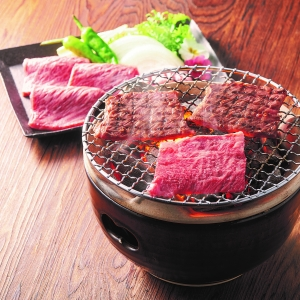 〈JA全農みえミート〉松阪牛肩ロース焼肉用