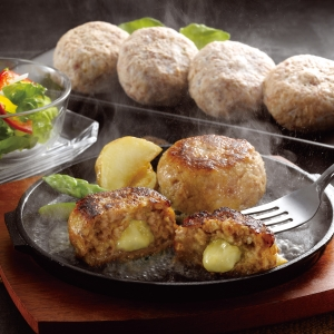 【宮崎県産】合挽き肉のチーズ入り生ハンバーグ