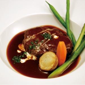 「ブラッセリートモ」奥田寛成 監修 黒毛和牛煮込みハンバーグ マルサラ風味